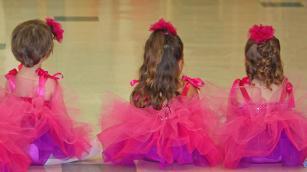 3 enfants en 3 ans danseuses.jpg