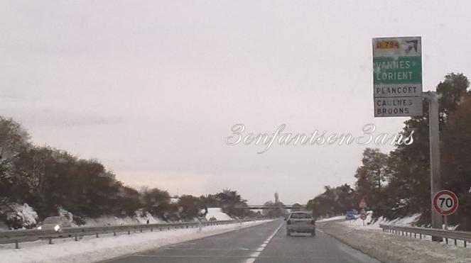 3enfantsen3ans neige sur l'autoroute