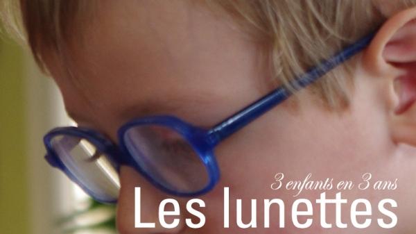 3 enfants en 3 ans lunettes chapeau