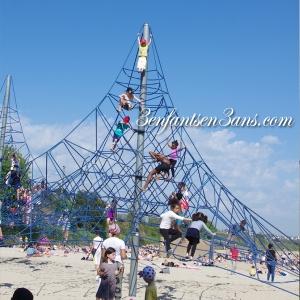3 enfants en 3 ans parc moulin blanc jeu araignée en haut ririe fifi