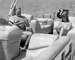 en mer sur un bateau sans smartphone